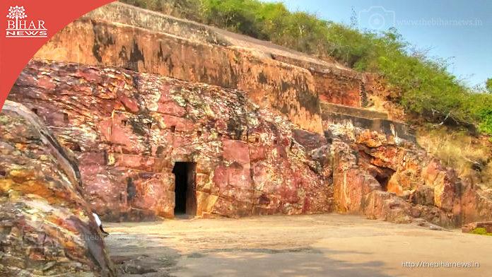 thebiharnews-sonbhandar-rajgir-main-gate
